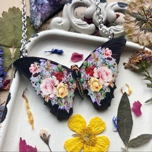 floral butterfly necklace